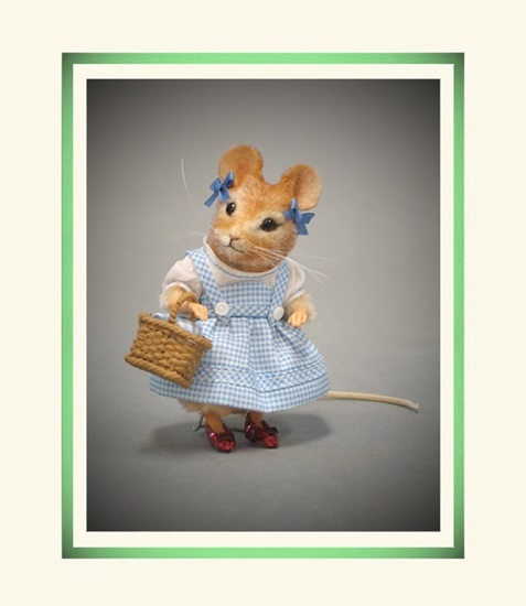 Picture of Wizard of Oz - Dorothy Mouse